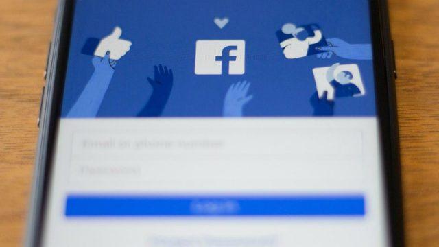 Facebook come creare un sondaggio